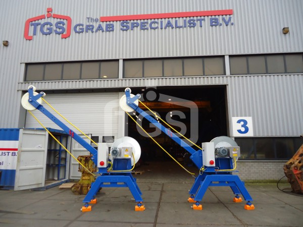 Deck Towers for Electro Hydraulic Grabs